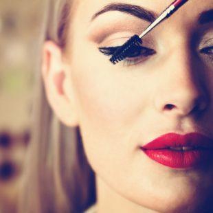 dostosowanie makijazu do pory roku