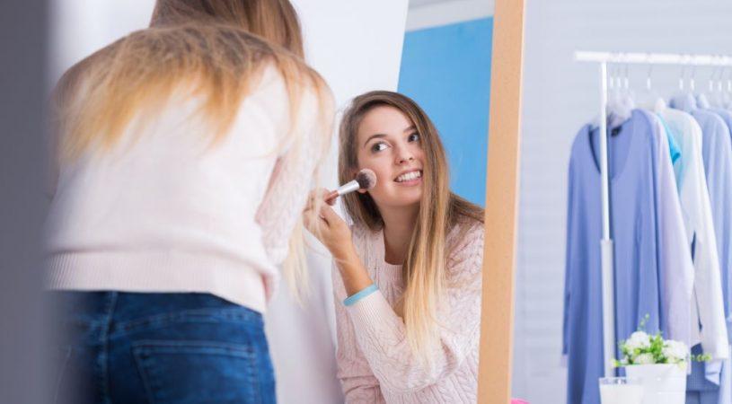 Jak wykonać makijaż skóry trądzikowej
